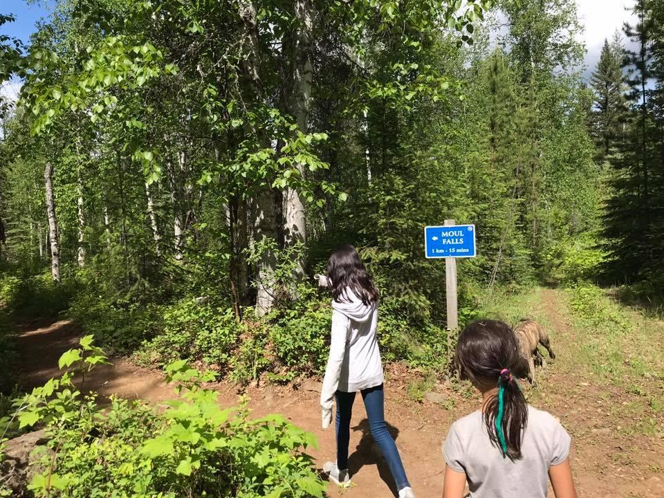 trail sign moul falls